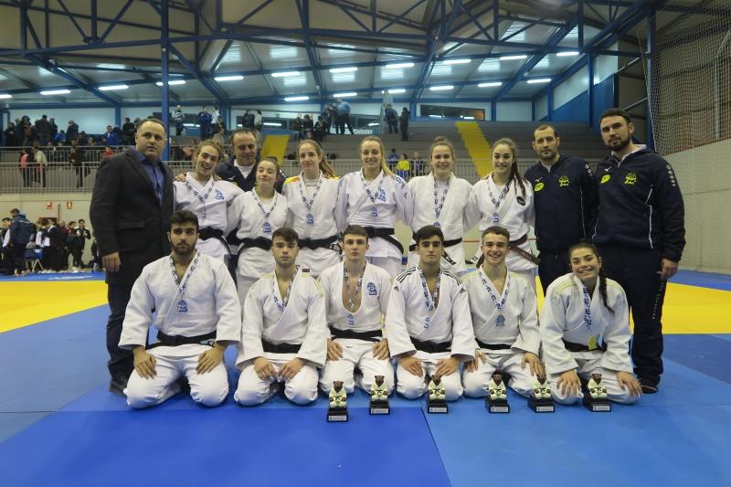 Doce medallas para Asturias en el sector junior